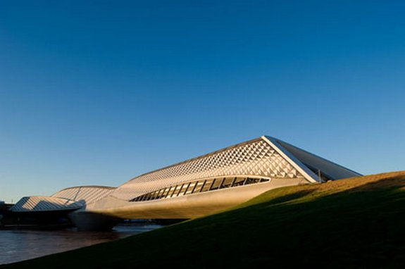 World's Best Female Architect - Zaha Hadid