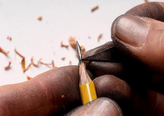 pencil sculptures 02 in Pencil Tip Micro Sculptures By Dalton Ghetti