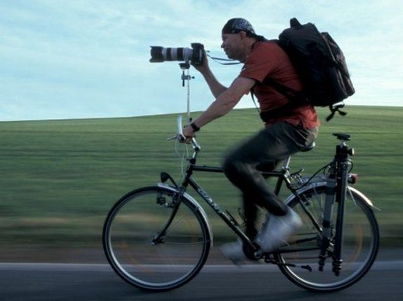 funny photographers 06 in 36 Photographers That Would Do Everything to Get That Photo Right