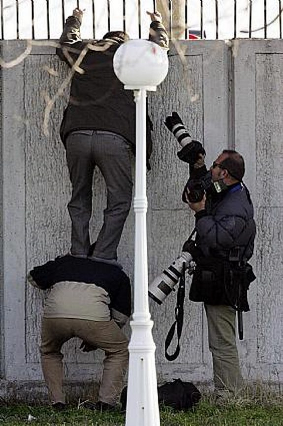 funny photographers 18 in 36 Photographers That Would Do Everything to Get That Photo Right