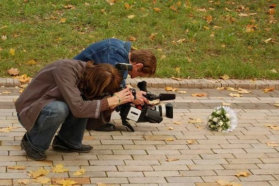 funny photographers 20 in 36 Photographers That Would Do Everything to Get That Photo Right