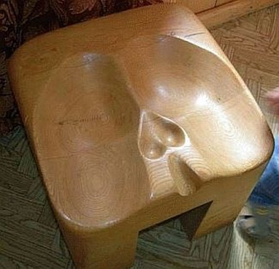 peculiarly shaped furniture 10 in Crazy Shaped Furniture Inspired by Human Body Parts