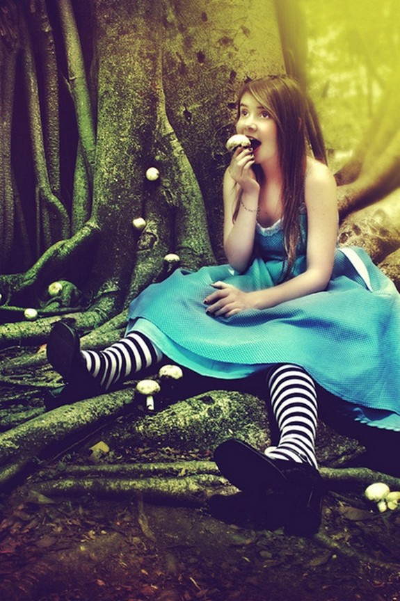 15 beautiful alice photographs 02 in 15 Beautiful Alice in Wonderland Photographs