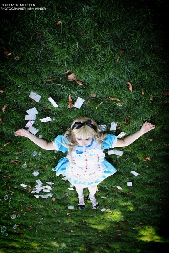 15 beautiful alice photographs 12 in 15 Beautiful Alice in Wonderland Photographs