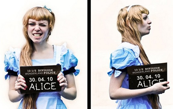 15 beautiful alice photographs 13 in 15 Beautiful Alice in Wonderland Photographs