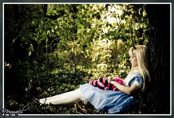 15 beautiful alice photographs 15 in 15 Beautiful Alice in Wonderland Photographs