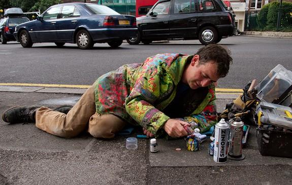 chewing gum artist 02 in London`s chewing gum artist   Ben Wilson