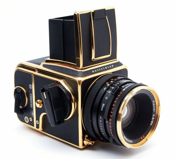 30 year gold camera 02 in Hasselblad 30 Year Gold Exclusive