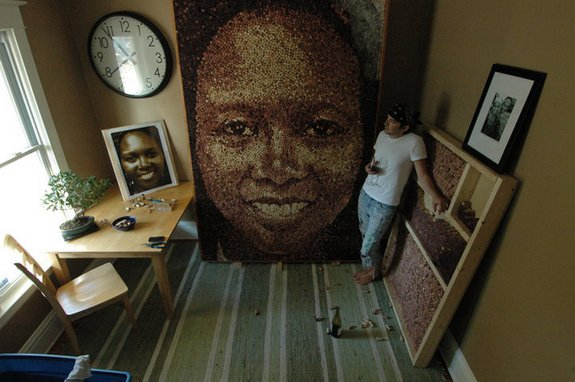 giant portraits 01 in Giant Portraits Made From Thousands of Repurposed Wine Corks