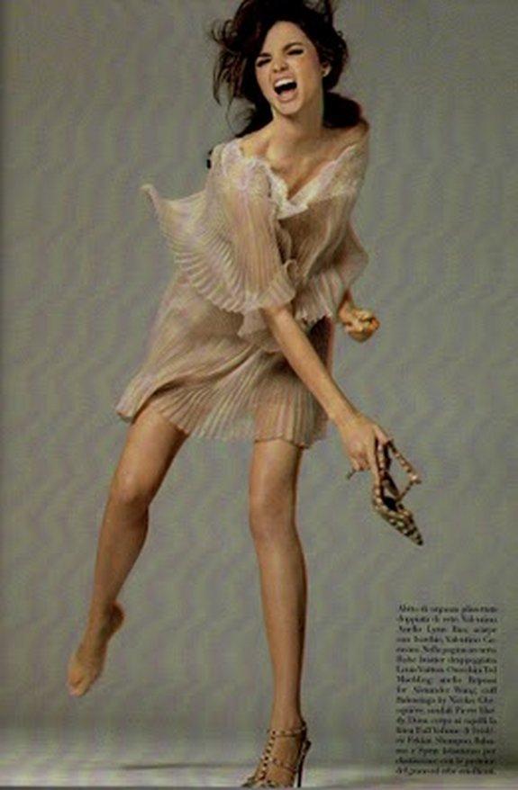 miranda kerr in 3d 16 in Steven Meisel Shoots Miranda Kerr in 3D