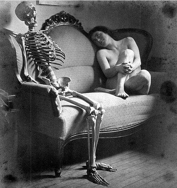bizarre black and white pictures 08 in Top 15 Weirdest B&W Photographs Ever