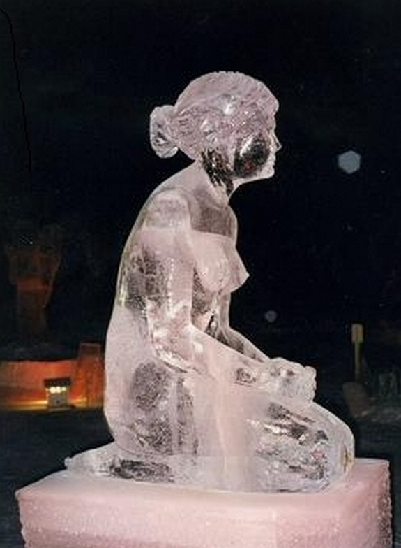 captivating ice sculptures beyond your imagination 08 in Top 10 Most Imaginative Ice Sculptures