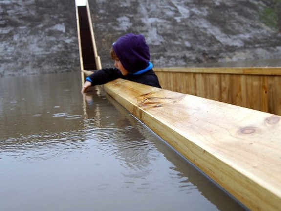 moses bridge astonishingly splits water 04 in Moses Bridge Astonishingly Splits Water