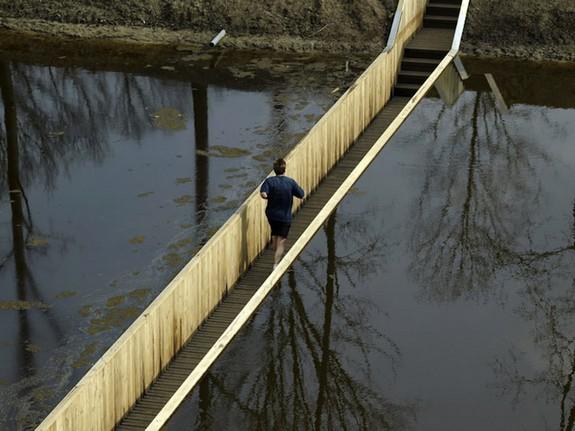 moses bridge astonishingly splits water 05 in Moses Bridge Astonishingly Splits Water