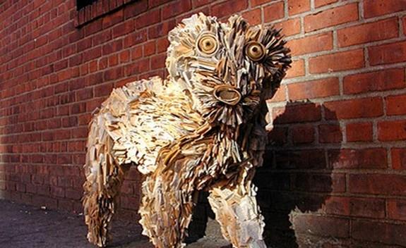 newspaper sculptures 07 in Creative Newspaper Sculptures