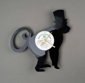 Top 8 Awesome Vinyl Clocks