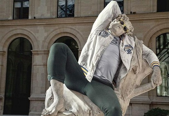 classic sculptures dressed in modern outfits 04 in When Classic Sculptures Meet Todays World